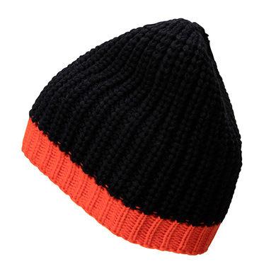 Двуцветна плетена шапка В950